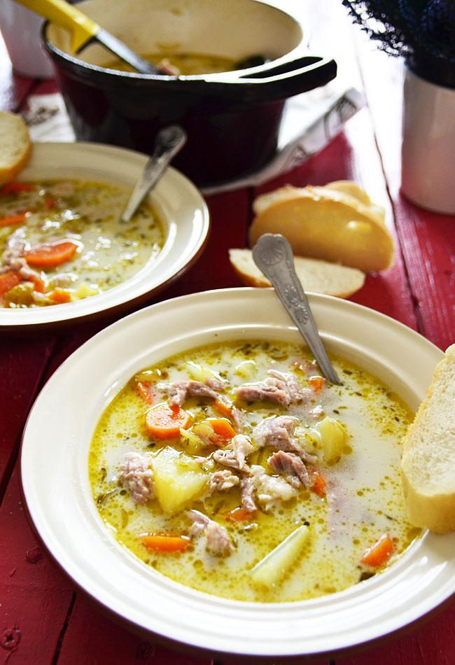 Tradycyjna Zupa Ogorkowa