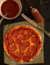 Pizza z salami - film video