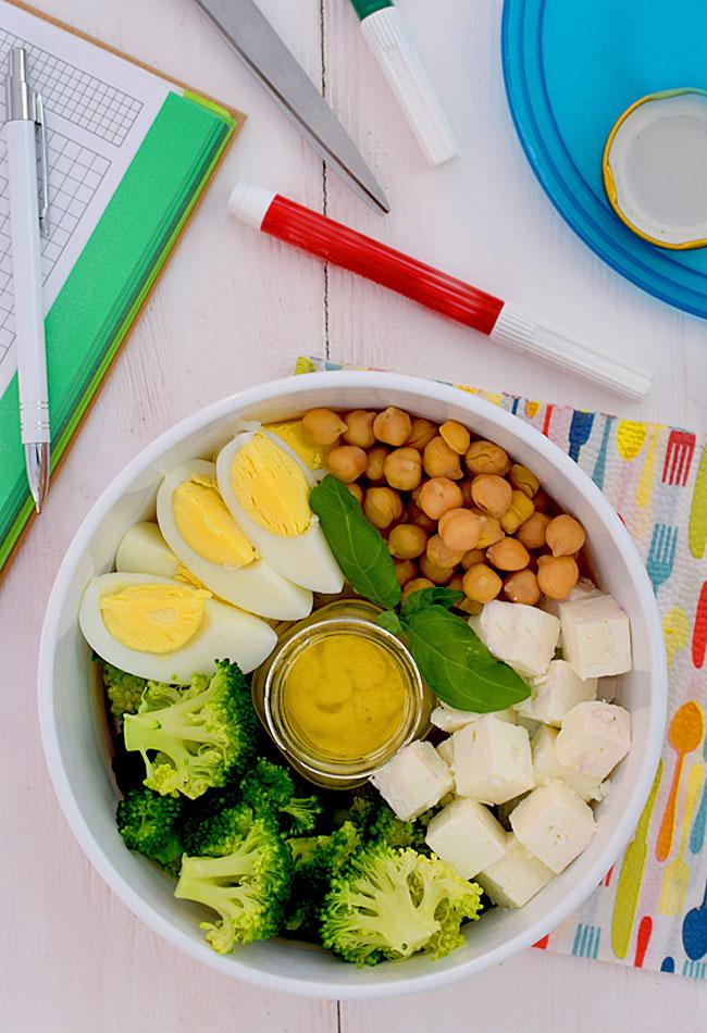 Przepis Na Salatka Z Brokulami I Ciecierzyca Do Pojemnika Do Pracy