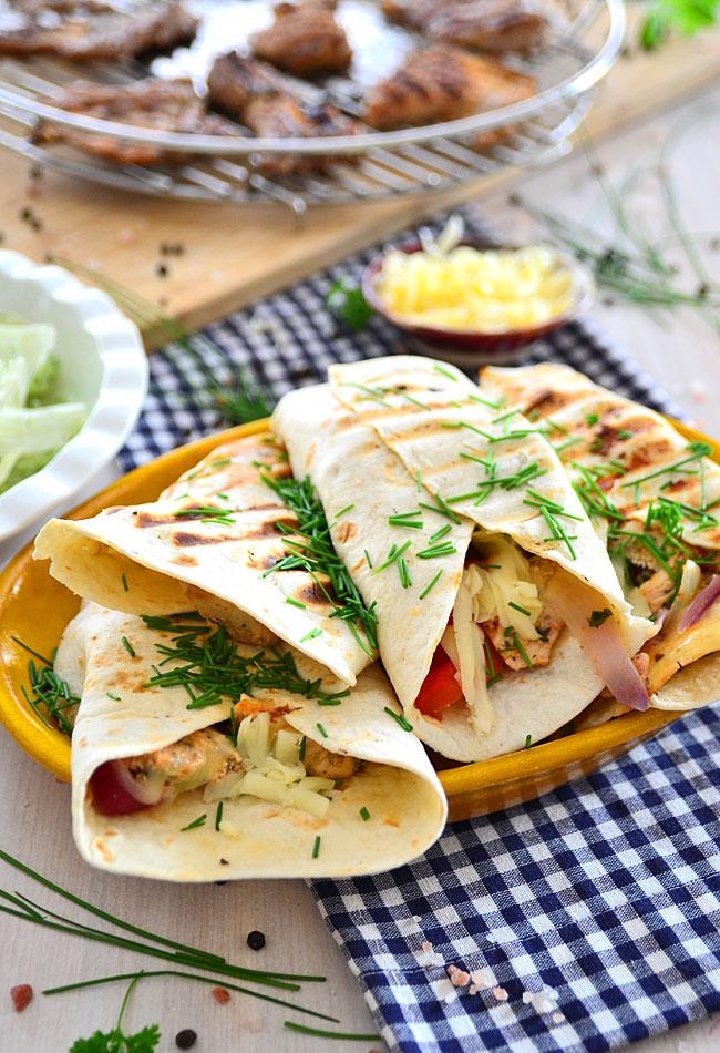 Przepis Na Grillowane Tortille Z Kurczakiem I Kolorowymi Warzywami