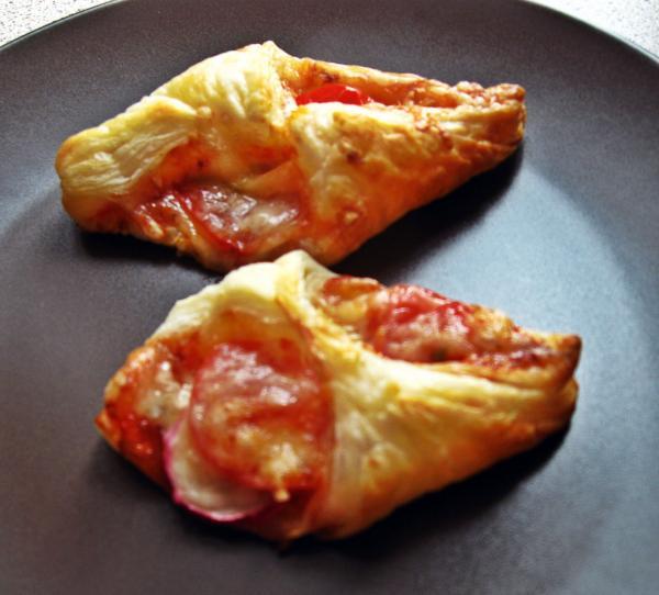 Przepis Na Mini Pizzerki Z Ciasta Francuskiego Mniammniam Com